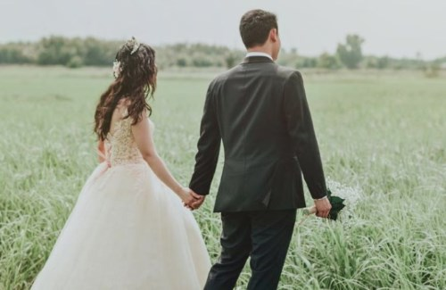 Couple Countryside Wedding